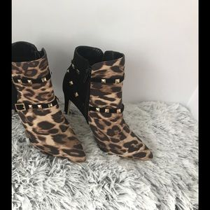 Glaze women's leopard high-heel booties. Size 5.5